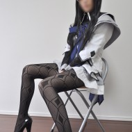 中国の女装子さんの可愛い子からペニクリ見えちゃってるエロ画像